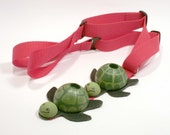 Green Turtle Childrens Spike Rest Young Cellist Endpin Rest Colourful Kids Pinstoppa - 3 to 7 years - red strap - READY TO SHIP