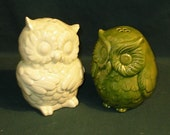 Hootie - Ceramic Owl Salt and Pepper Shakers  -  Light Spearmint and Spring Green