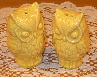 Hoot - Ceramic Owl Salt and Pepper Shakers  -  Yellow