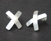 "X  Shape Sterling Silver Stud Earrings Elegant Modern Look Simple Classic ""Little Kisses"""