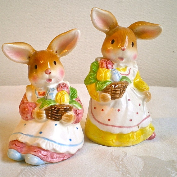 Vintage Rabbits, Bunnies, Vintage, Aprons, Japan, 1950's, Set of 2