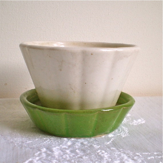 Flower Pot, Flowers, Planter, Shawnee, Pottery, Green, White, Plants, Spring, Vintage, Pot, 1950s