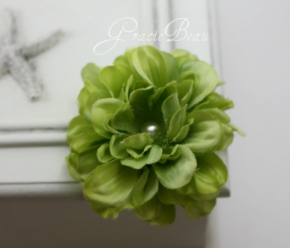 Green Flower Hair Clip Zinnia With Pearly Center