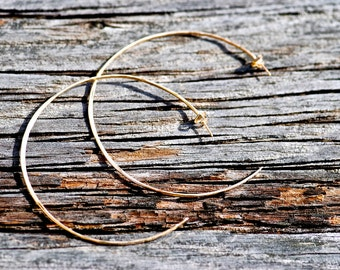 C-Shaped Hoops - Earrings