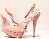 Pink Pumps with White Venise Lace ... Size 7.5
