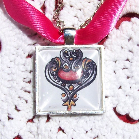 Elegant Bouquet Charms doubles as a necklace, Heart Design