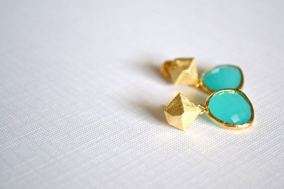 Blue Green Ice Faceted Glass Pendants in Bright Gold Plated Frames on Matte Gold Plated Diamond Stud Earrings FEG0004BG