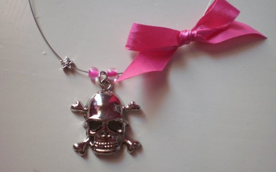 skull stainless steel necklace / free shipping