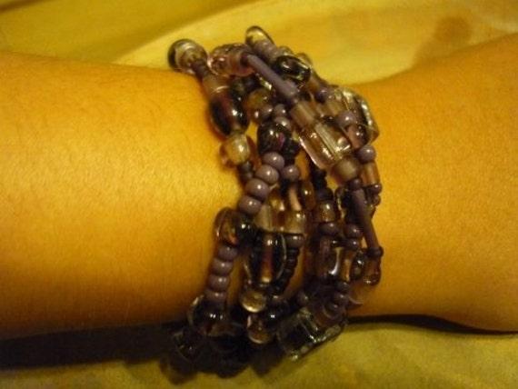 Set of 7 Purple Bracelets, Purple Bracelets, Elastic Purple Bracelets, Purple Color Beads, Purple Beaded Bracelets, Purple Glass and Beads.