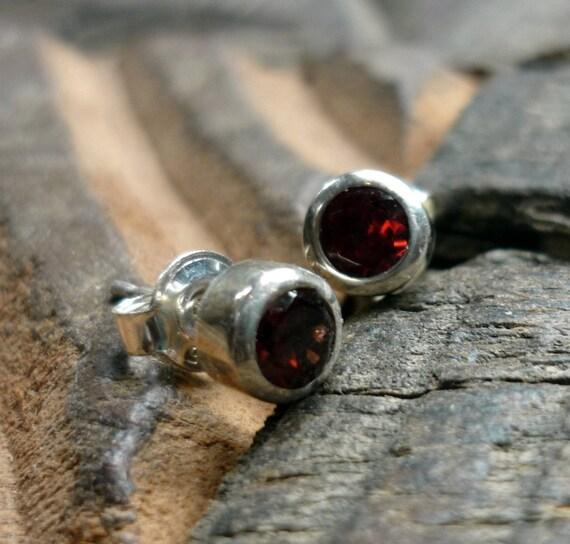 Sterling Silver Stud, Garnet Gemstone Earrings, Silver Small Earrings, Silver and Garnet Earrings, Silver and Garnet Studs, Red Earrings.