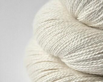 Ghost - natural BabyAlpaca/Silk Lace Yarn