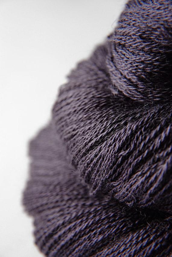 Bat biting the dust - Baby Alpaca / Silk yarn lace weight