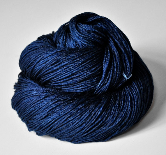 Glowing sapphire - Merino/Silk superwash yarn fingering weight