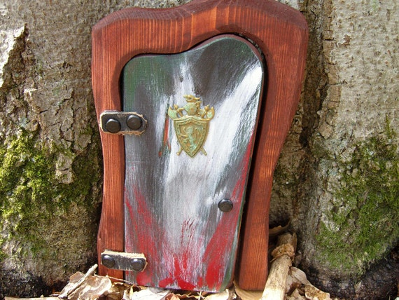 Garden Door, Harp-Shaped with Old-world style Crested Shield Head, for your Fairies, Gnomes ,Elves. Leprechauns and Cupids