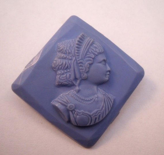 Early plastic cameo brooch