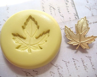 MAPLE LEAF (medium) - Flexible Silicone Mold - Push Mold, Jewelry Mold, Polymer Clay Mold, Resin Mold, Craft Mold, Food Mold, PMC Mold