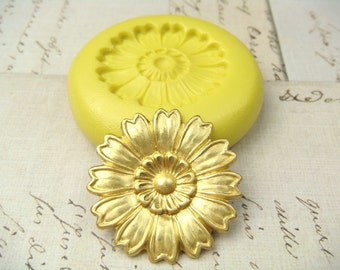 Zinnia Flower (small) - Flexible Silicone Mold - Push Mold, Jewelry Mold, Polymer Clay Mold, Resin Mold, Craft Mold, PMC Mold