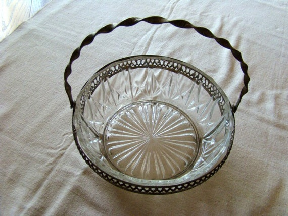 Lovely Vintage French Glass Bowl in Silverplate Basket Holder