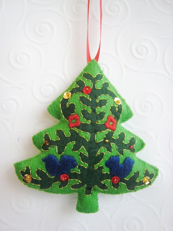 blue bird decorated tree felt ornament. Black Bedroom Furniture Sets. Home Design Ideas
