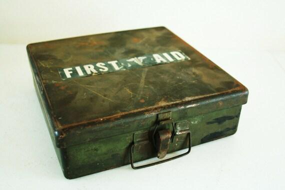 Vintage metal First Aid case