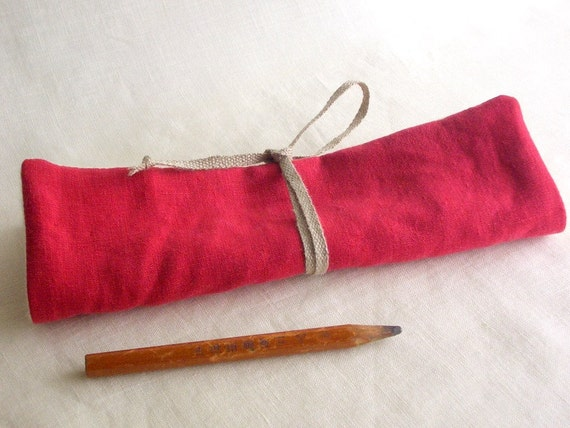 travel Pencil pouch  ( red )