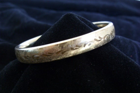 Vintage Gold Filled Bangle Bracelet Hinged Etched