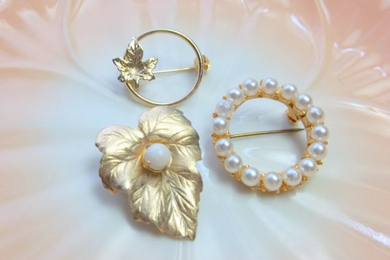 Vintage LOT Brooches Gold Pearls One Brooch Sarah Coventry