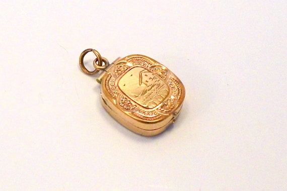 Antique Victorian Gold Filled Locket Pendant