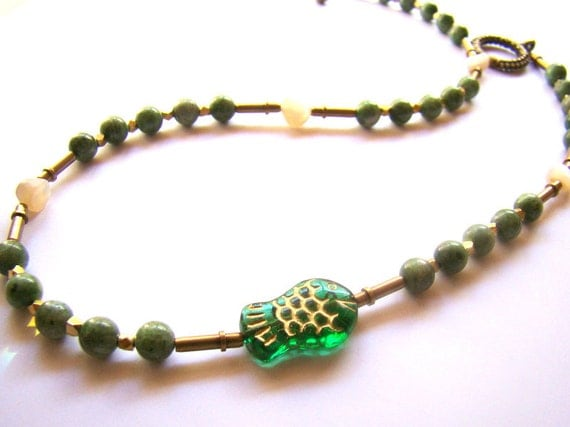 Beaded Fish Choker Green Glass Bead Choker  Mother of Pearl and Brass  Boho Jewelry  Boho Chic  Bohemian Necklace - BJ0033