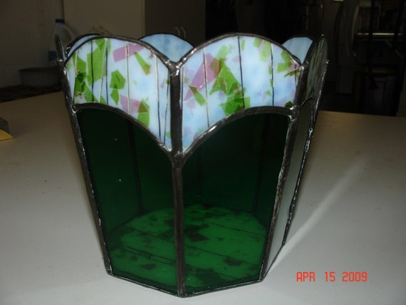 Stained Glass Flower Pot in Springtime Green with Pink and White Streamer Flowers