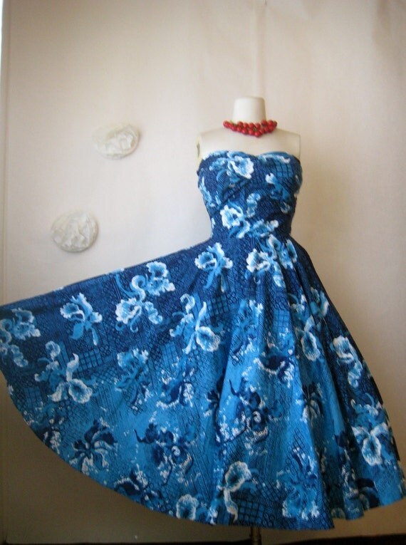 1950s Dress Hawaiian Kamehameha Dress Vintage 50s Full Skirt