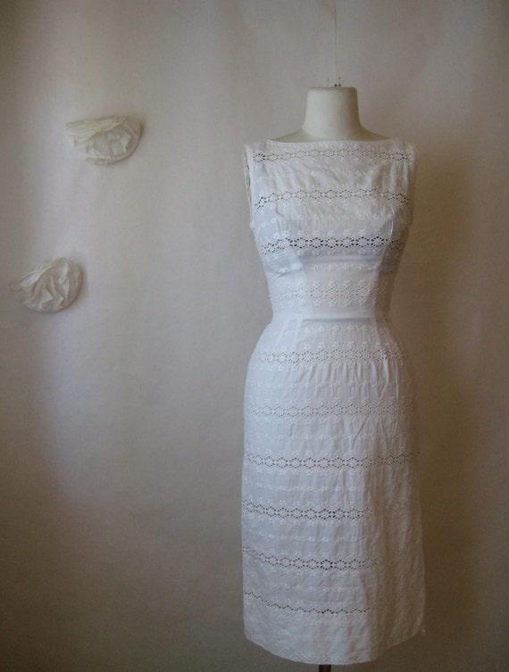 1950s wiggle dress. 50s vintage l'aiglon white embroidered eyelet wedding dress.