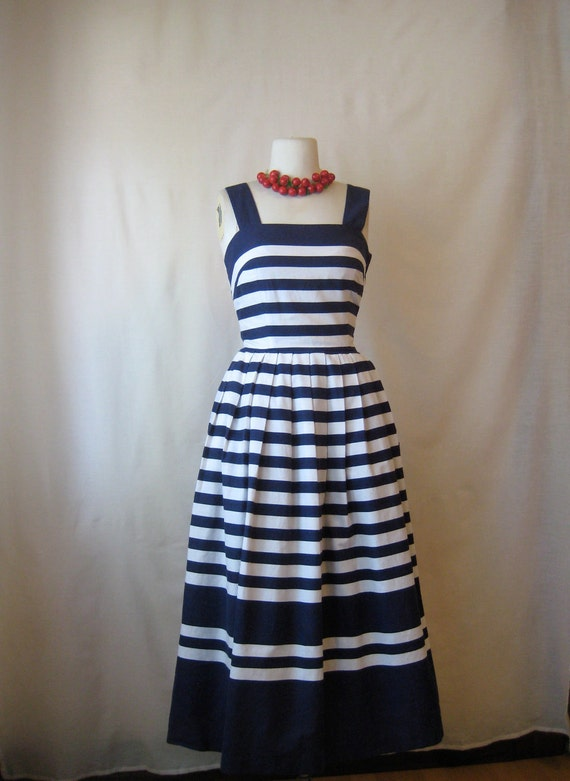 nautical striped dress. 1950s inspired full skirt dress. vintage 1970s lanz sundress.