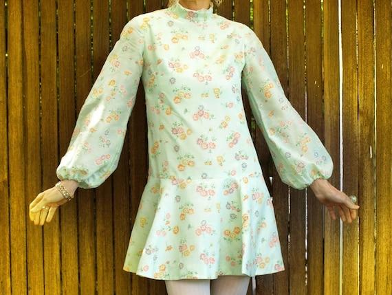 1970s Mod Mini Dress, Floral Print, Lace Collar, Pastel