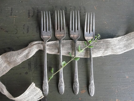 First Love silver plate dinner forks, Rogers vintage silver plate forks, set of 4 vintage forks in First Love pattern