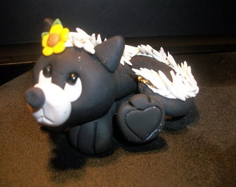 Skunk ornament, Pepe Le Pew Ornament, Cute flower Skunk, Bambi skunk, Bambi cake topper, flower cake topper, skunk wedding, skunk cake top