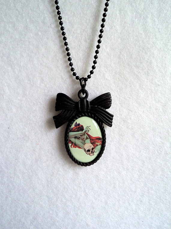 Zombie Redhead Pinup Necklace, Mint