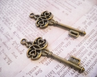 Steampunk Skeleton Keys Antiqued Bronze 45mm Ornate Skeleton Keys Pendants Trinity Keys 10 pieces Wholesale Skeleton Keys Double Sided