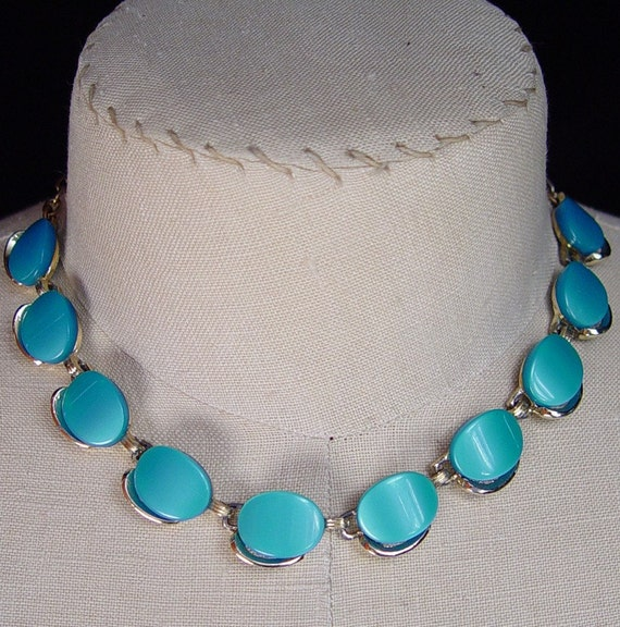 Vintage Womens Necklace Mid Century Oval Turquoise Lucite Cabochon Choker Necklace Goldtone 1950s Women's Jewelry