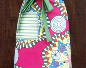 Bright pink apron, greens, yellow, heavy canvas, large pocket, bistro, gardener, teacher