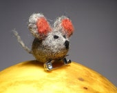 Needle felted mouse brooch, mice