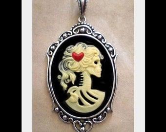 Valentine Lolita Skeleton Necklace - Gothic Ivory Zombie
