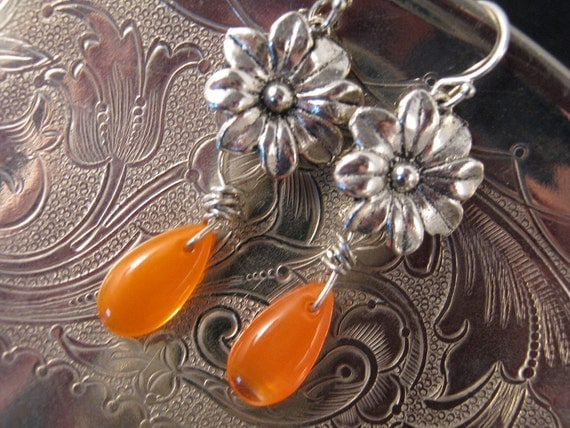 Vintage Earrings, Bridesmaid Gift, Flower Power Earrings, Upcycled, Reclaimed Earrings, Orange, Glass Teardrops, OOAK - Clementine