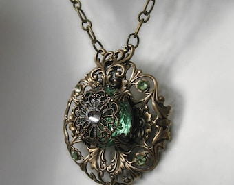 Victorian style Periot Glass Pendant Necklace