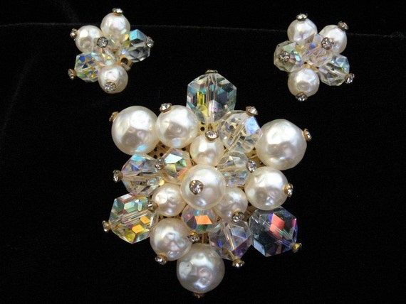 RESERVED      Vintage LAGUNA Crystal Bridal Brooch and Matching Earrings w/ Faux Pearl, and Rhinestones