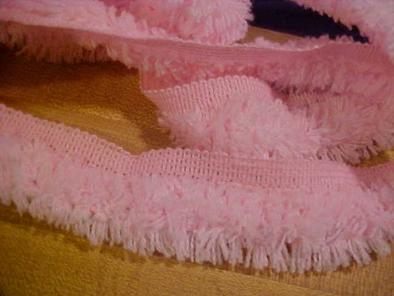 4 1/2 Yds Pink Soft Fluffy Fringe Lip Trim