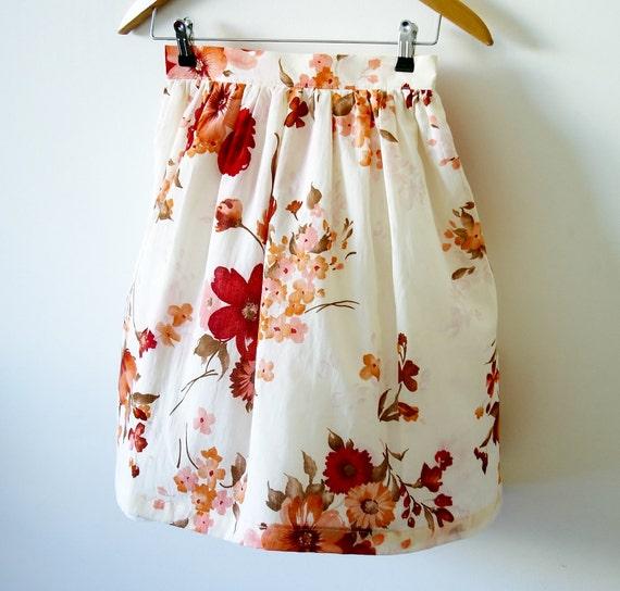 Vintage inspired floral skirt - Red magnolia