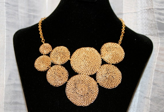 Crocheted disc bib necklace