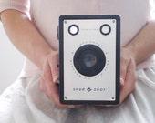 Vintage Camera - Agfa Ansco Shur-Shot D6 - Vintage 1940s Box Camera