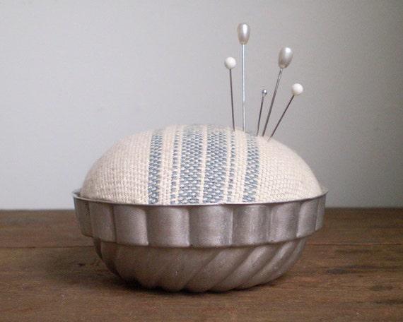 Jello Mold Pincushion - Rustic Cotton with Scandiavian Blue Stripe